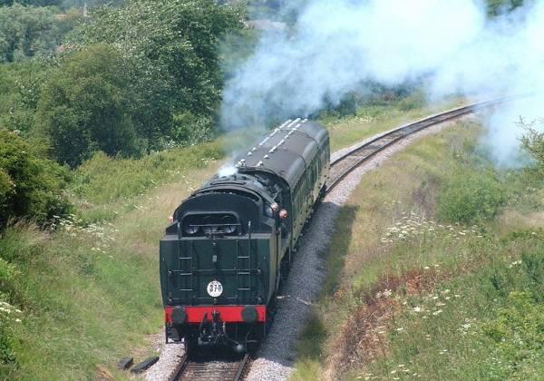 VE19126-Swanage-railway-and-Corfe-Castle- -Visit England-Visit-Dorset