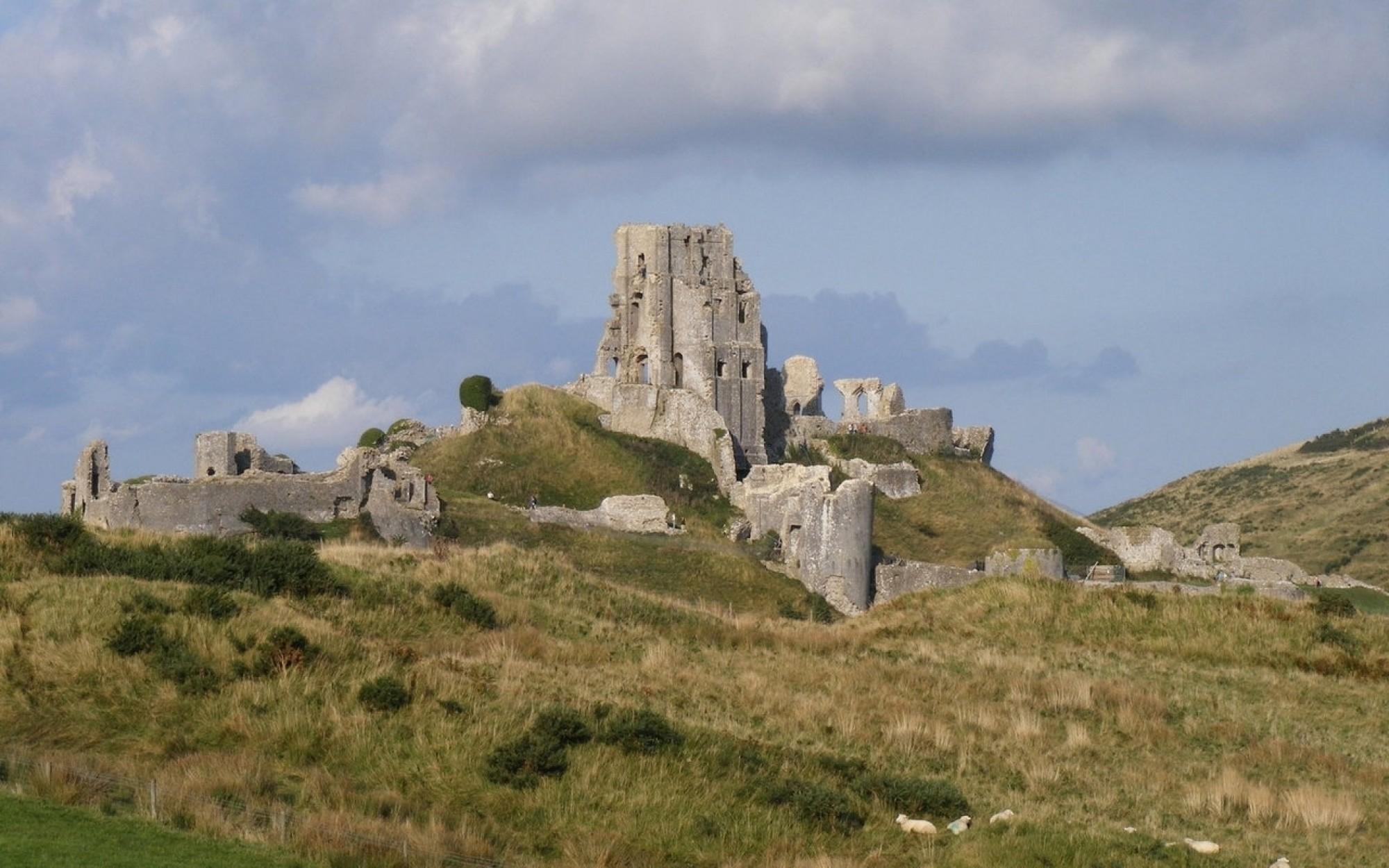 Corfe-castle-1208201-1280x960