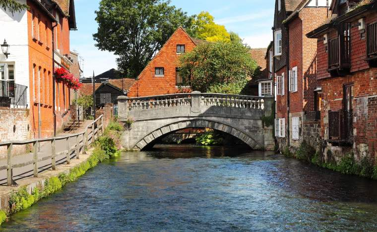 The-River-Itchen-in-the-City-of-Winchester-in-Hampshire-England