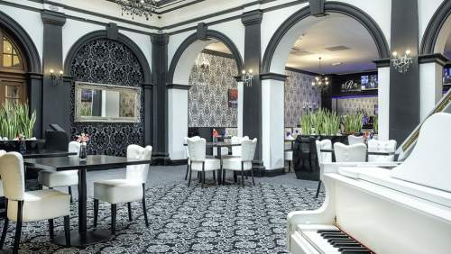 Richmond Hotel_Bar-area-1