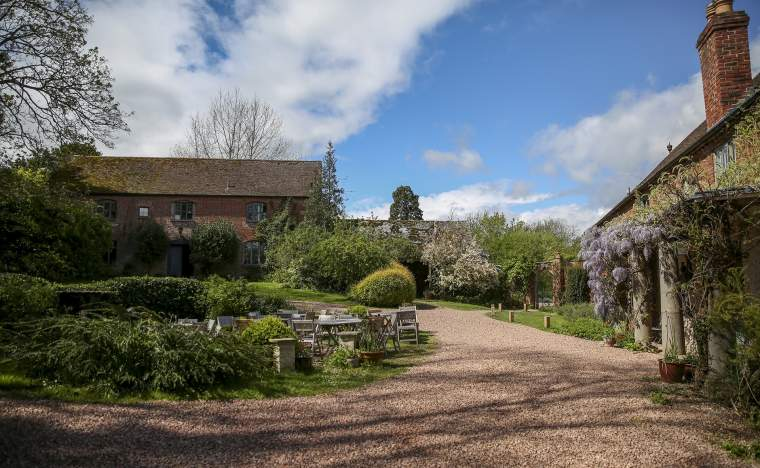 Hellens Manor Tearoom with wysteria