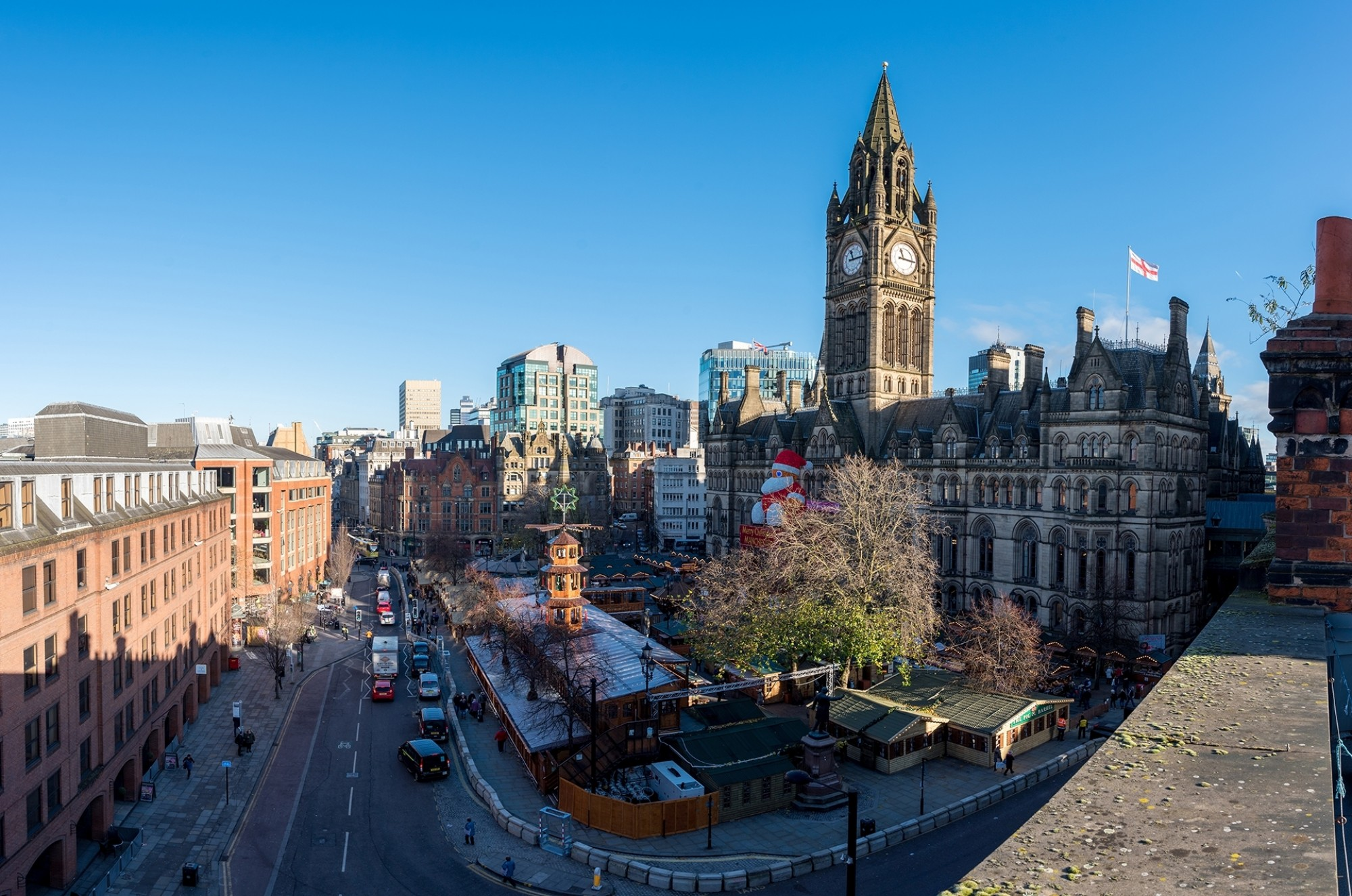 Christmas-markets-at-albert-square-aerial-view
