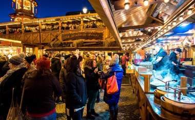 Christmas-markets-at-albert-square-2