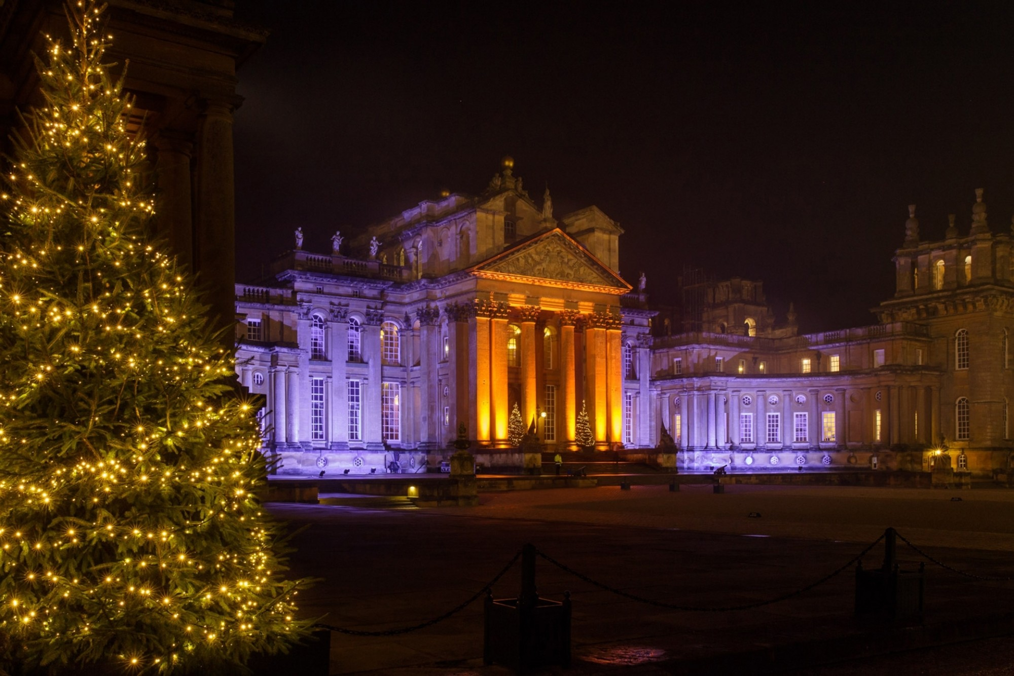 Blenheim Palace Christmas Lights Courtyard