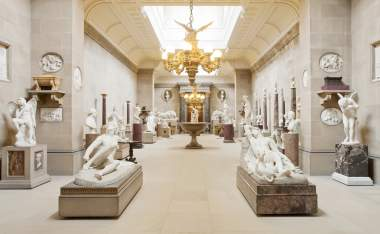Chatsworth-Sculpture-gallery-David-Vintiner