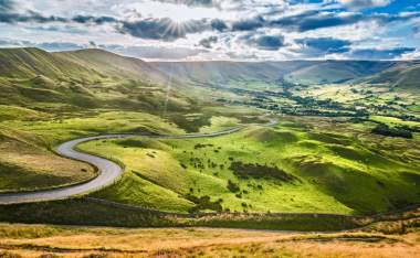 Scenic-Serpentine-Road-in-Peak-District-UK