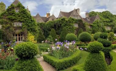 Quaint-charming-English-cottage