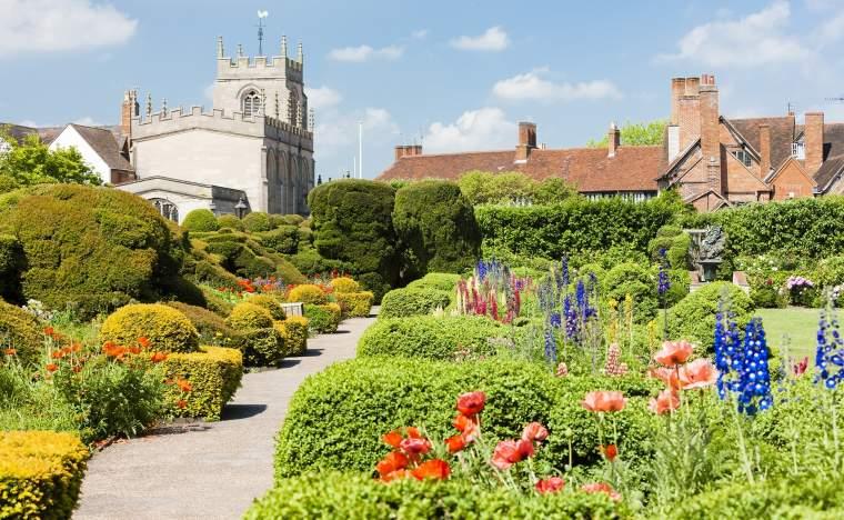 New-Place-garden-Stratford-upon-Avon-Warwickshire-England