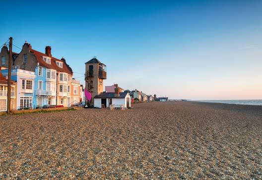 The-seafront-and-beach-at-Aldeburgh-on-the-Suffolk-coast