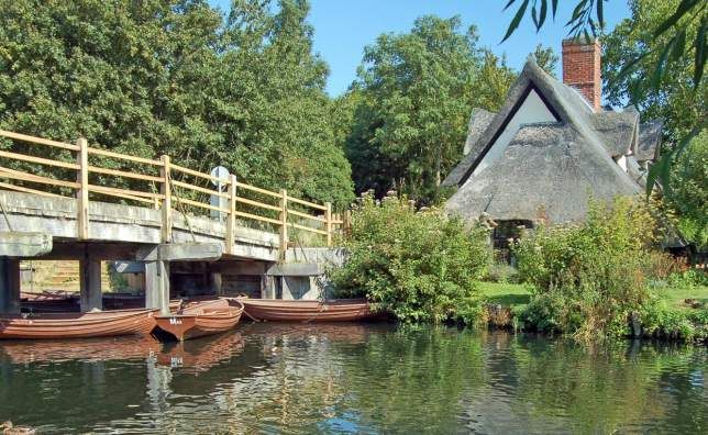 Flatford-Mill-Suffolk-England