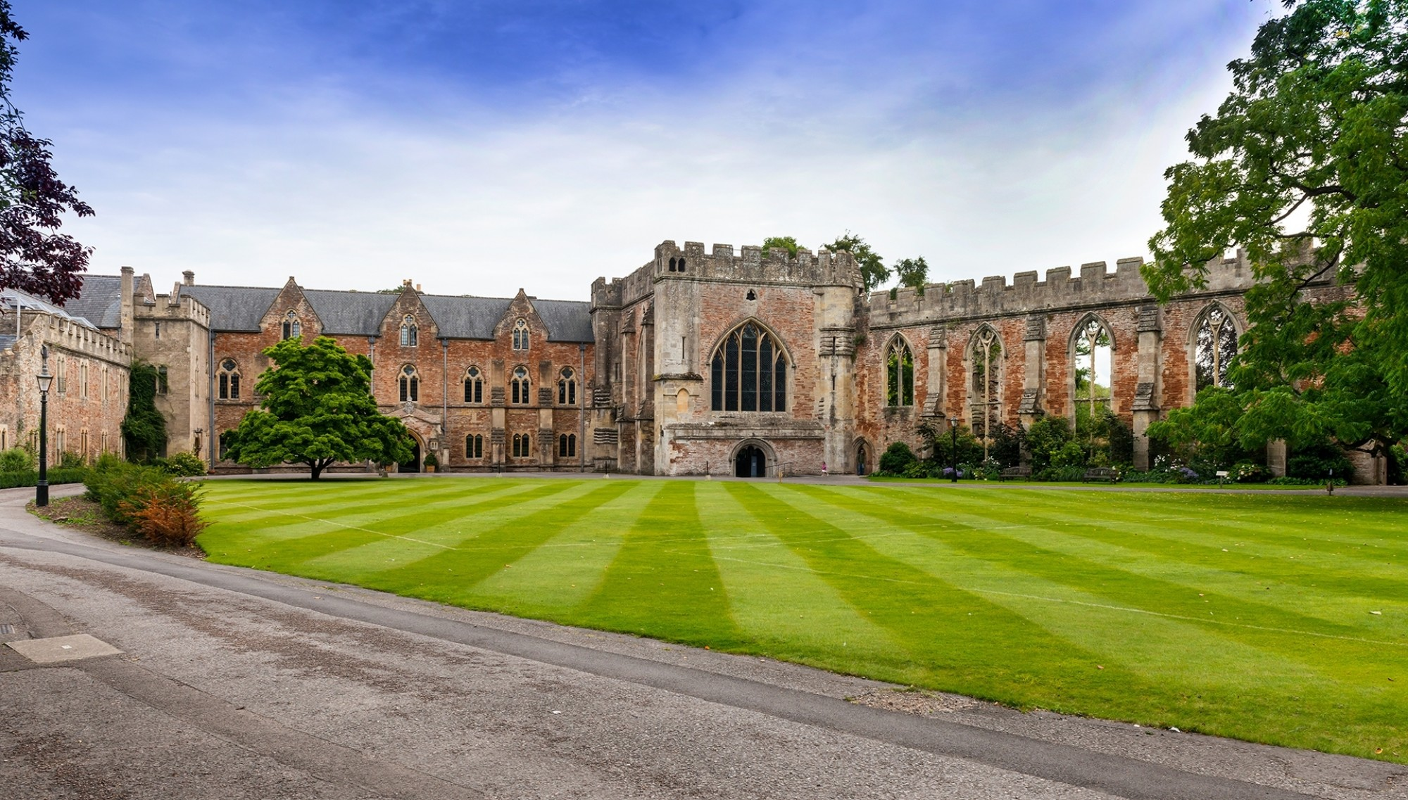 Bishops-Palace-Lawn-Adjacent-to-Wells-Cathedral-Wells-Somerset-England