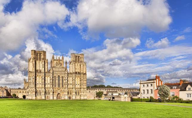 West-Front-of-Wells-Cathedral-and-Cathedral-Green-Wells-Somerset