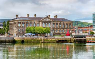 Custom-House-over-the-river-Lagan-in-Belfast