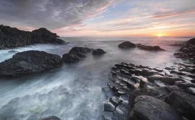 Sundown-over-Giants-Causeway-landscape-North-Ireland