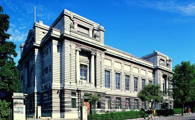 17079 Ulster Museum External