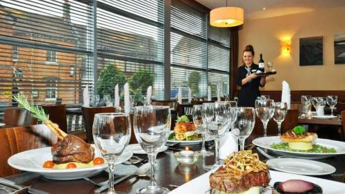 CLIFDEN STATION restaurant dining 01
