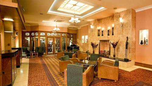 Hamlet Court Hotel lobby 2
