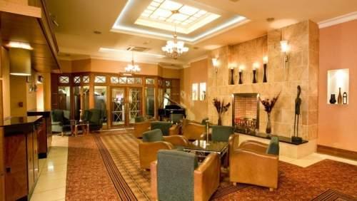 Hamlet Court Hotel lounge