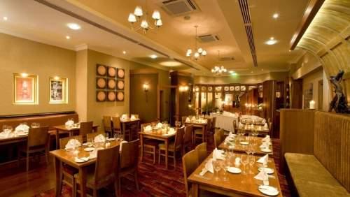 Hamlet Court Hotel restaurant 1