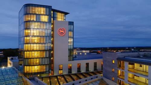 Sheraton Hotel Athlone exterior
