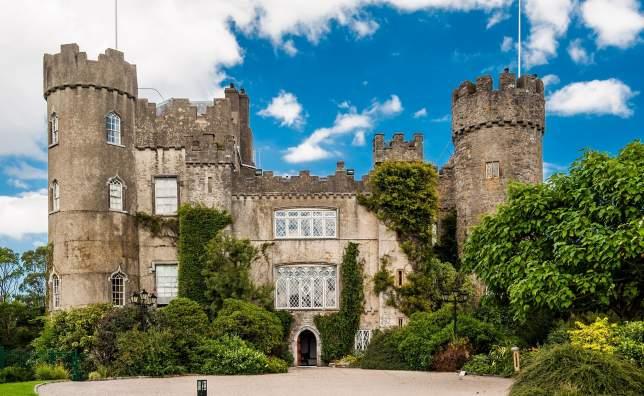 Http www heritageisland com hi cache file D210 F7 EE 1 DD8 B71 D A05 C7270 D9 EB4 E55 source Malahide Castle