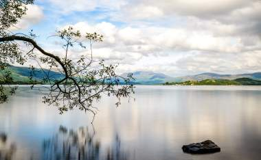 Loch-Lomond-at-the-boundry-to-the-Highlands-Scotlands-biggest-freshwater-lake