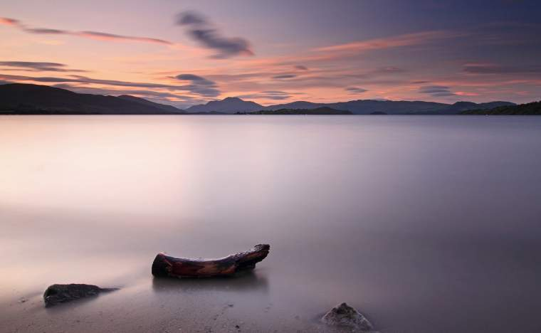 Loch-Lomond-Sunset-with-Ben-Lomond-in-the-background-Loch-Lomond-and-The-Trossachs-National-Park-Scotland