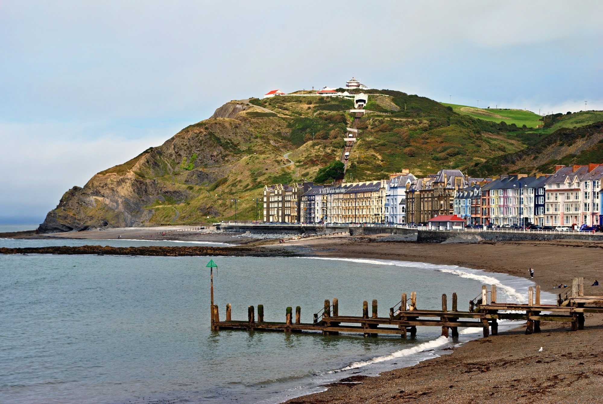 Colourful-buildings-by-North-Beach-Aberystwyth