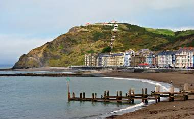 Colourful-buildings-by-North-Beach-Aberystwyth