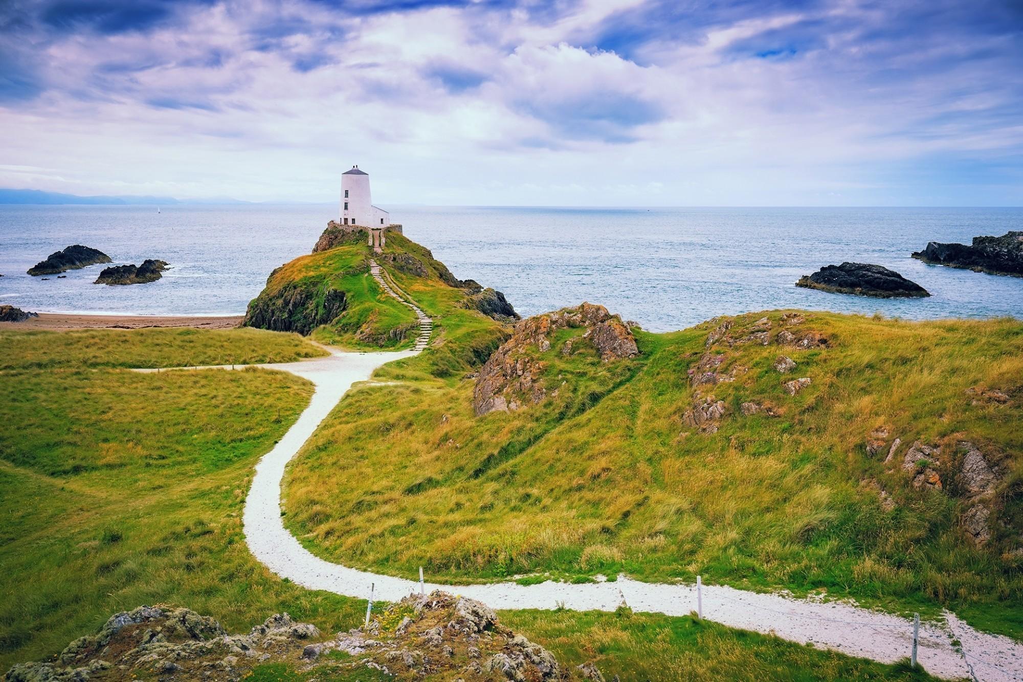 Llanddwyn-Island-on-the-coast-of-Anglesey-in-north-Wale Uk