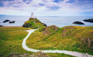 Llanddwyn-Island-on-the-coast-of-Anglesey-in-north-Wale Uk