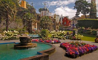 Portmeirion-was-designed-and-built-in-an-Italian-style-by-Sir-Clough-Williams-Ellis