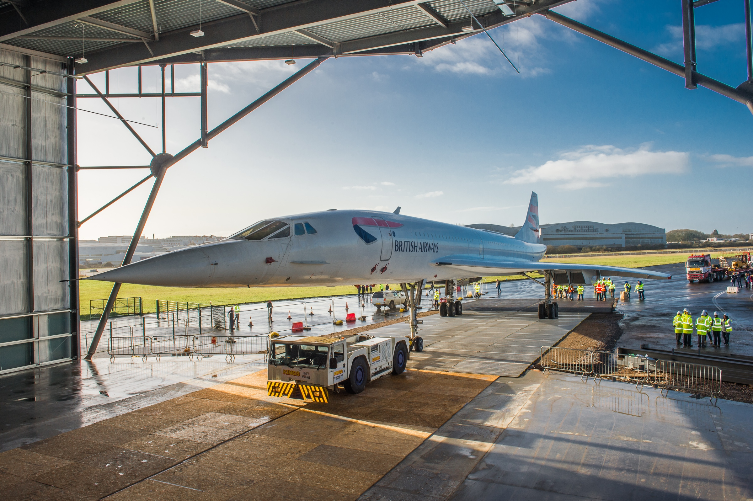 Concorde moving into the museum